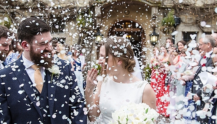 Wish To Plan Your Wedding Photos Just Like a Pro? Here Are The Tips!